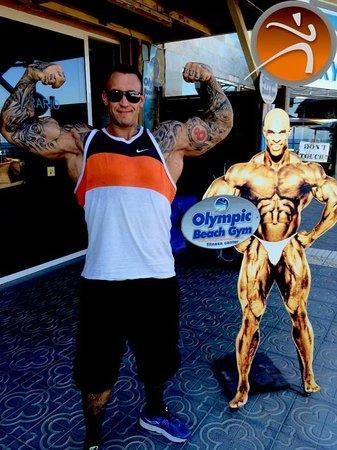 Olympic Beach Gym: Arid Haugen  powerlifter strongman