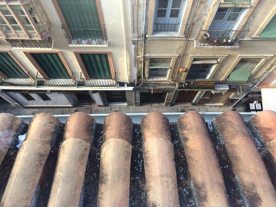 Hostal Navas 14: Street below view from balcony