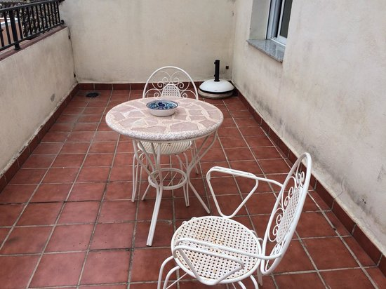 Hostal Navas 14: Balcony