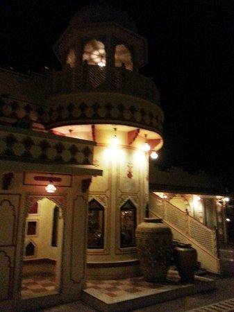Chokhi Dhani Resort: Dining area 3