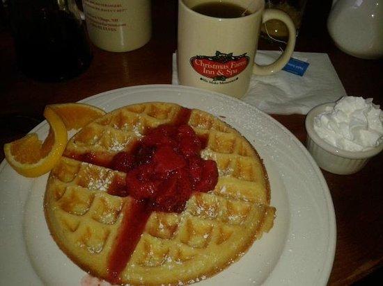Christmas Farm Inn & Spa: breakfast