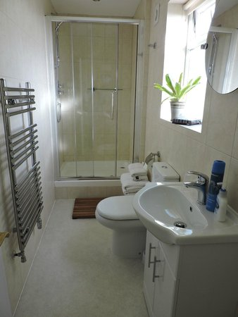 Ard Aalin B&B: Beautiful bathroom