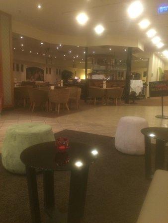 Leonardo Hotel Mannheim City Center : recepcao do hotel