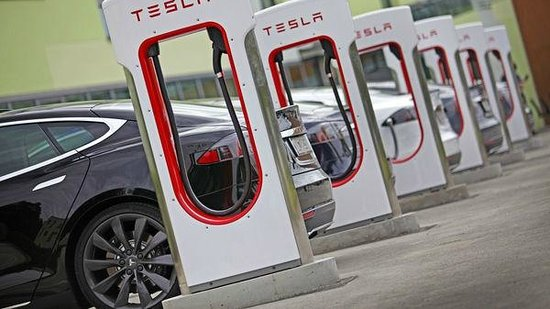 Four Points by Sheraton Ljubljana Mons: Tesla Superchargers