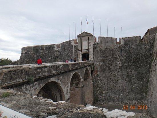 Fort du Mont Alban : fort
