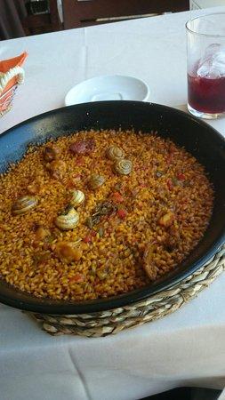 Restaurante Tapería Elche: Paella individual de conejo y caracoles