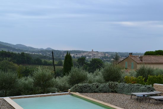 Patios des Vignes: View from grounds