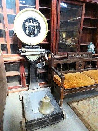 Antique Tobacco Barn: inside