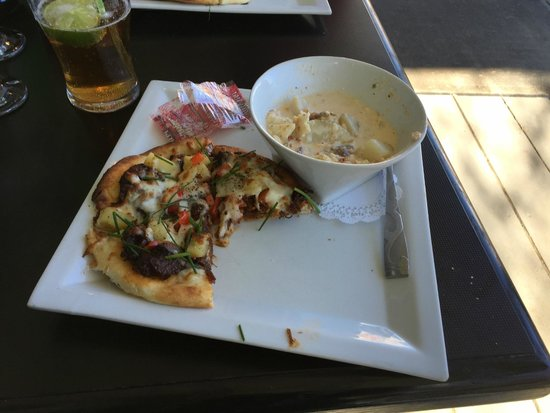 Sublime Food & Wine: Wild boar pizza and seafood chowder