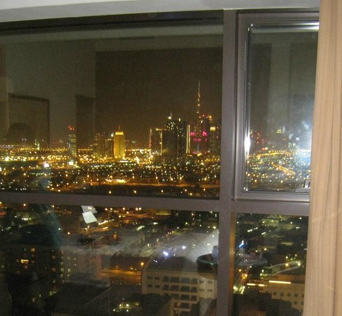 Camas grandes picture of majestic hotel tower dubai for Camas grandes