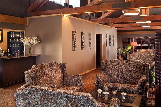 Tarragon at The Inn at Honey Run : Tarragon Lounge