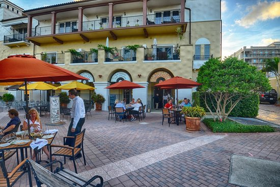 Restaurants Near Dali Museum St Petersburg Fl
