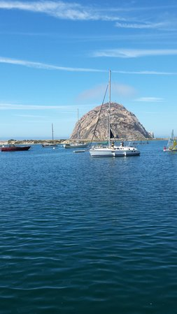 Pacific Shores Inn : Morro Rock landmark