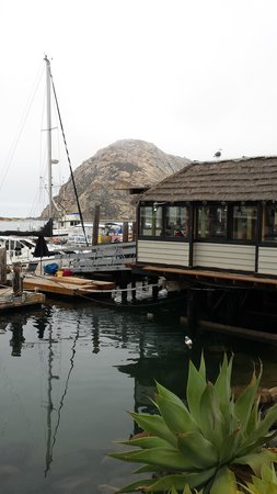 Sundown Inn: Resturant on the water