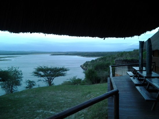 Nkwazi Lake Lodge : stuuning view  of the lake