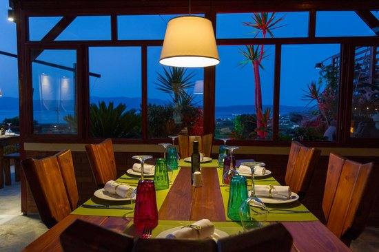 Kaliviani Traditional Hotel: Tripadvisor Restaurants in Kissamos, Mama's Dinner in Kaliviani, Crete, Greece