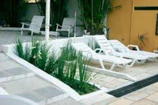 Pousada Kilandukilu: Área da piscina