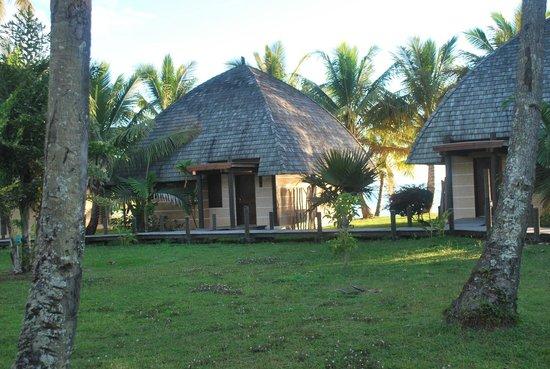 Hotel Tieti Poindimie: vue de notre bungalow, tout proche de la plage