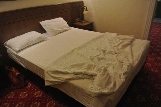 Golden yat hotel bewertungen fotos preisvergleich for Chambre tres moderne