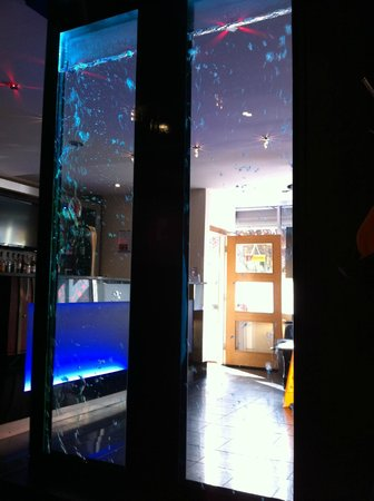 Royal Tandoori Indian Restaurant & Takeaway: Water window feature