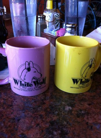 White Wolf Cafe : Love the mugs!