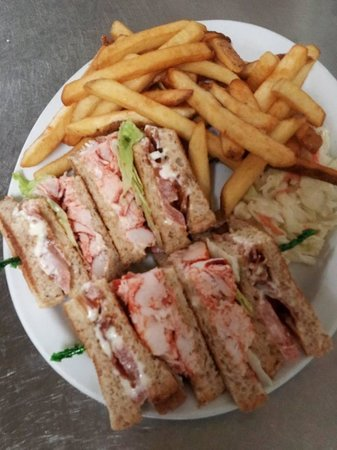 Boularderie, Canada: Lobster Club Sandwich
