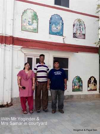 Shri Ram Heritage : Inside the courtyard we all share a happy moment
