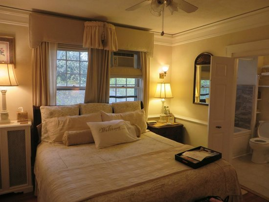 Abbington Green Bed & Breakfast Inn and Spa : Queen Mary room