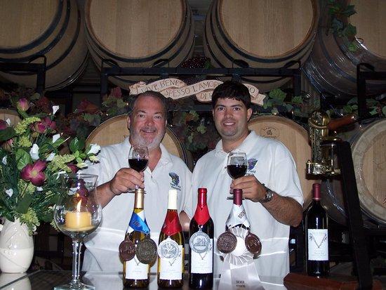 Kinsale, VA: Tasting Room in the Winery.