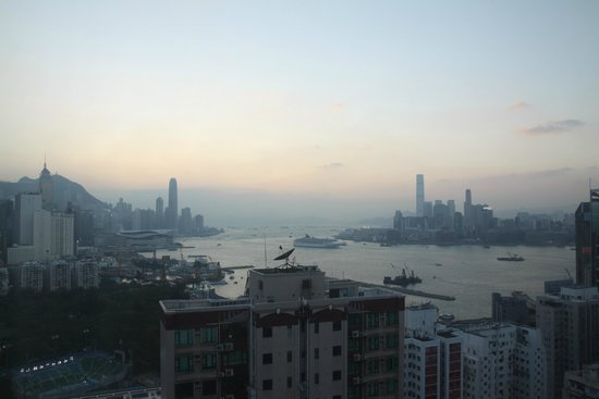 L'hotel Causeway Bay Harbour View: 部屋からの眺望