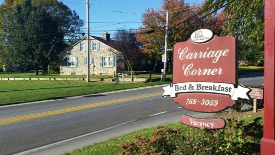 Carriage Corner Bed and Breakfast: Sign