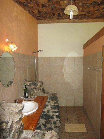 Meru View Lodge: Bad
