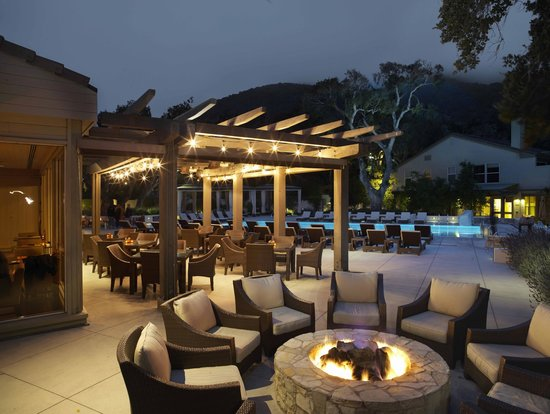 Carmel Valley Ranch: Lodge Restaurant Fire Pit - Lodge Restaurant Fire Pit - Picture Of Carmel Valley Ranch, Carmel
