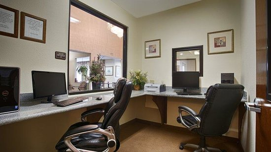 BEST WESTERN Executive Inn: Business Center