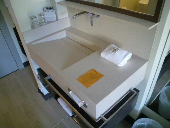Hotel Herzog: Waschbecken im Zimmer
