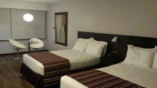 My Suites: Quarto com 2 camas de casal