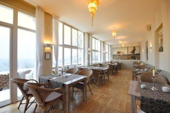 Panorama Hotel-Restaurant Lohme: Veranda