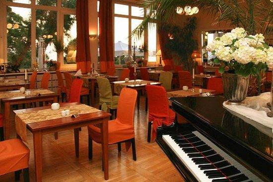 Panorama Hotel-Restaurant Lohme: Saal