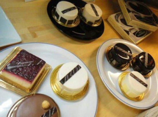 Hemingway : Cakes