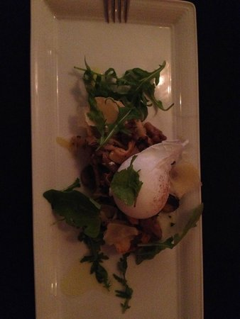 Browns at The Quay: An excellent starter - Mushroom bruchette and soft duck egg