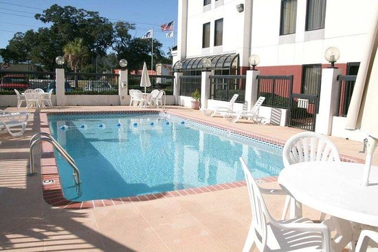 Hampton Inn Darien-I-95: Outdoor Pool