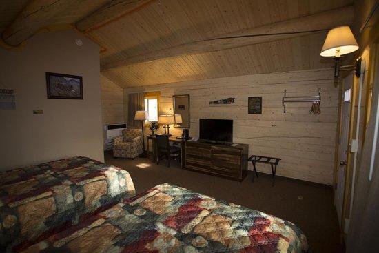 Young's Motel: New Cabin Interior