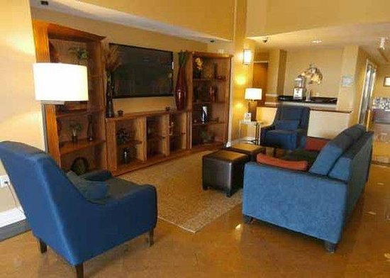 Comfort Suites Ocala: lobby