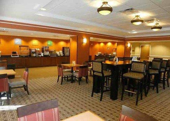Comfort Suites Ocala: breakfast