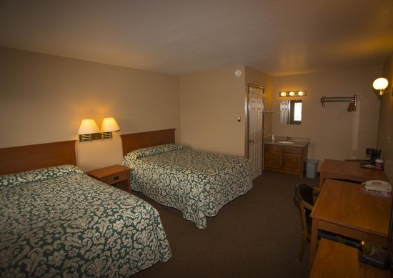 Tok, AK: Motel Room Interior