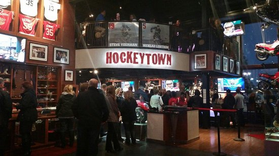 Hockeytown Cafe: Hockeytown in Detroit!