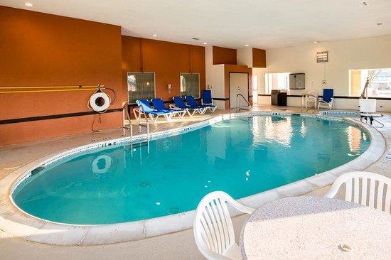 Sleep Inn DFW Airport: Tx Pool1