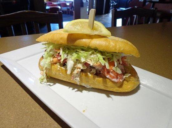 Moose Mulligans : Lobster Roll Lunch Special