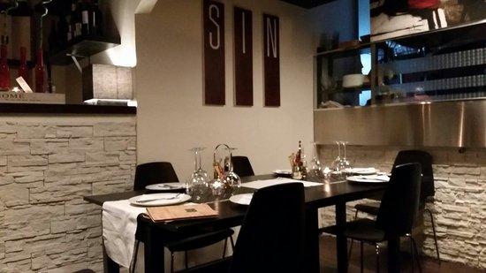 Sin Wine & Food