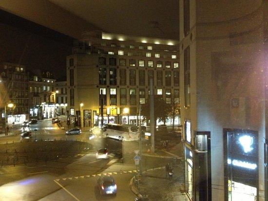 NH Brussels Louise : Вид из окна номера